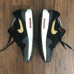 Nike Shoes - Men's Air Max 1 PRM Size 8.5 *like new*